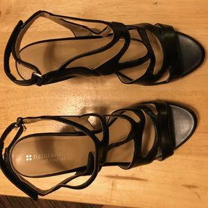 Naturalizer Dianna, Black Platform Sandal, 10M